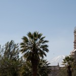 02-Arequipa-cathedrale-volcan-Chachani